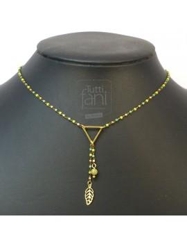 Collier chaine perlée vert et triangle