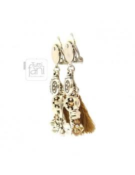 Boucles d'oreilles clips breloques argentées et camel