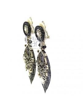 Boucles d'oreilles clips feuilles noires et breloques argentées