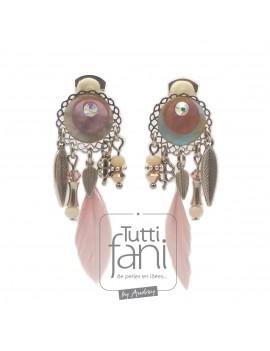 Boucles d'oreilles clips rose clair et plume