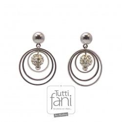 Boucles d'oreilles anneaux et perles strass
