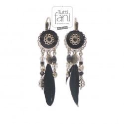 Boucles d'oreilles noires à breloques et plumes